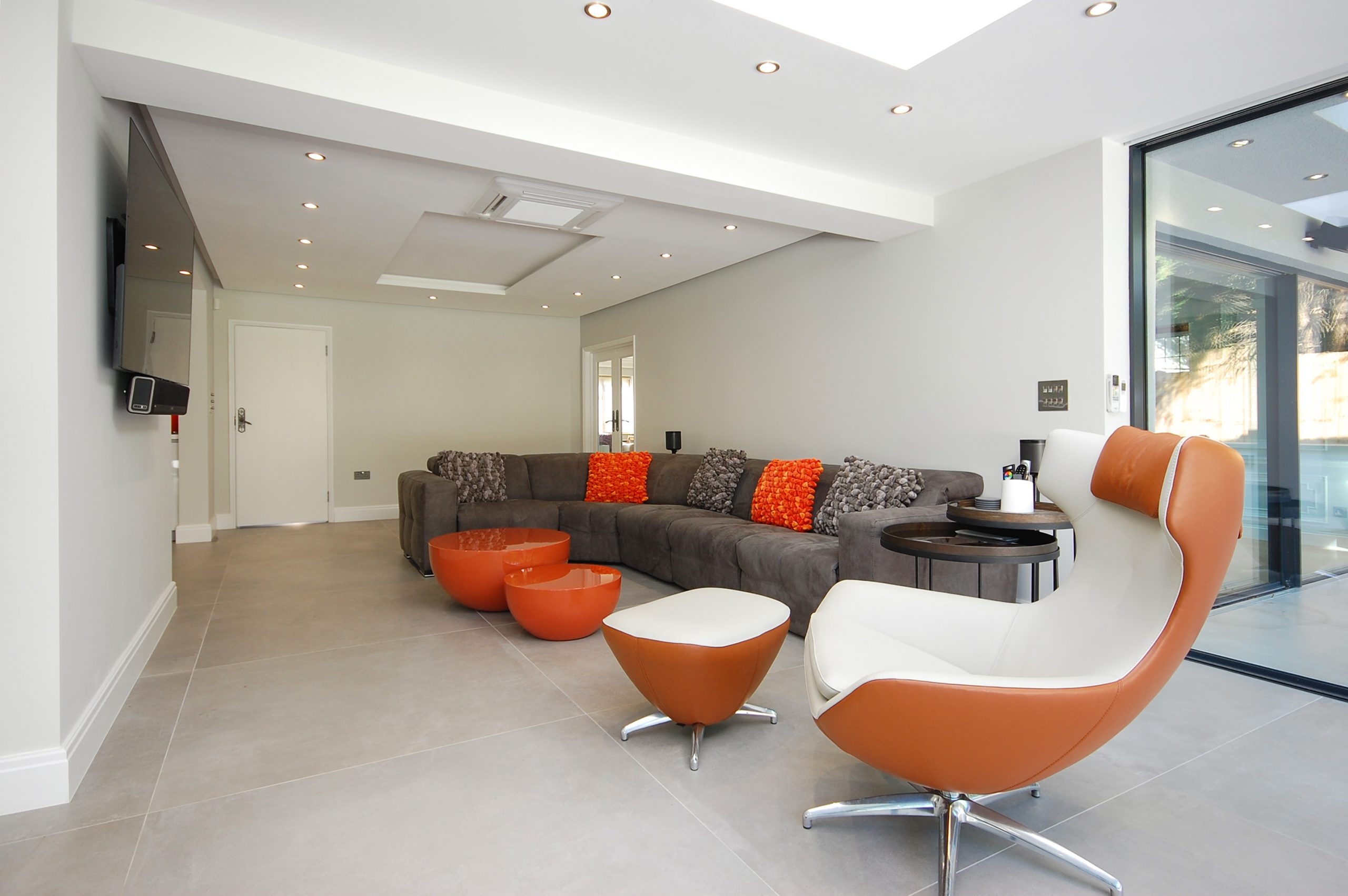 Chigwell Residential Refurb Extension Seating long angle